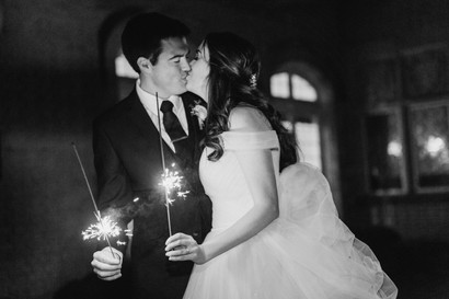 7 Steps to a Successful Sparkler Exit   Pro Wedding  Tips