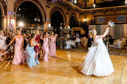 The Bouquet Toss: History of the Tradition and Tips for the Modern Couple | Wedding History