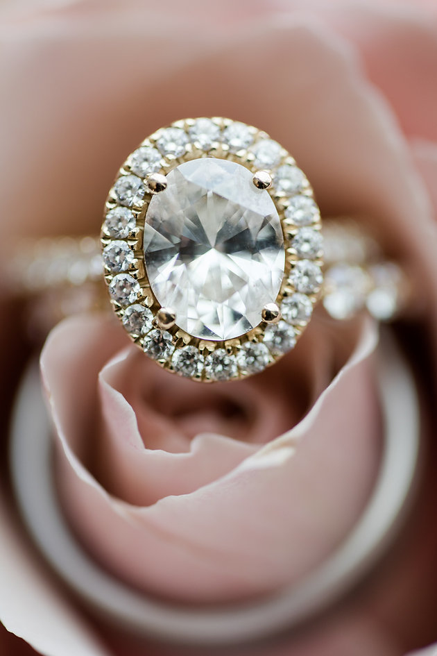 Should I Wear My Engagement Ring Down The Aisle Wedding Day Tips