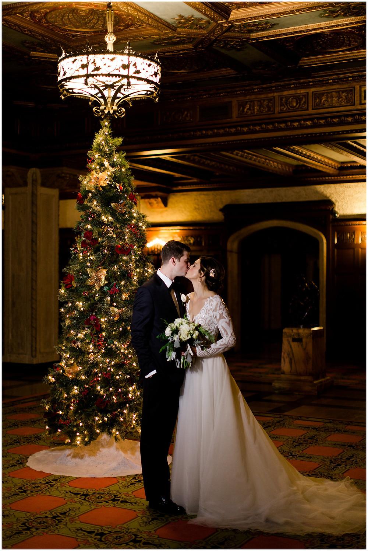 Christmas Tree Wedding Photo