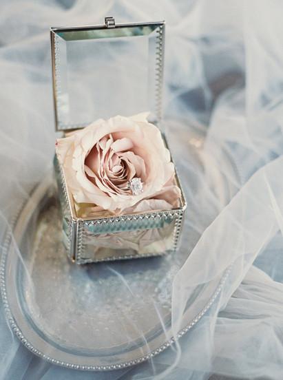 5 Reasons To Plan A Destination Engagement Session   Destination Wedding Planning