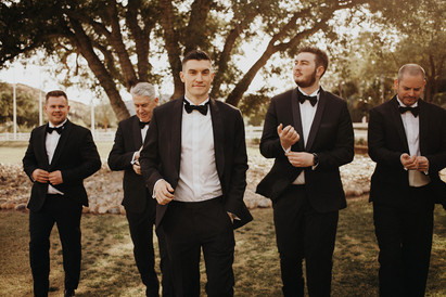 5 Tips for Finding the Perfect Wedding Suit | Pro Wedding Tips