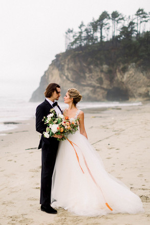 Oregon Coast Adventure Elopement Inspiration | Destination Wedding Planner