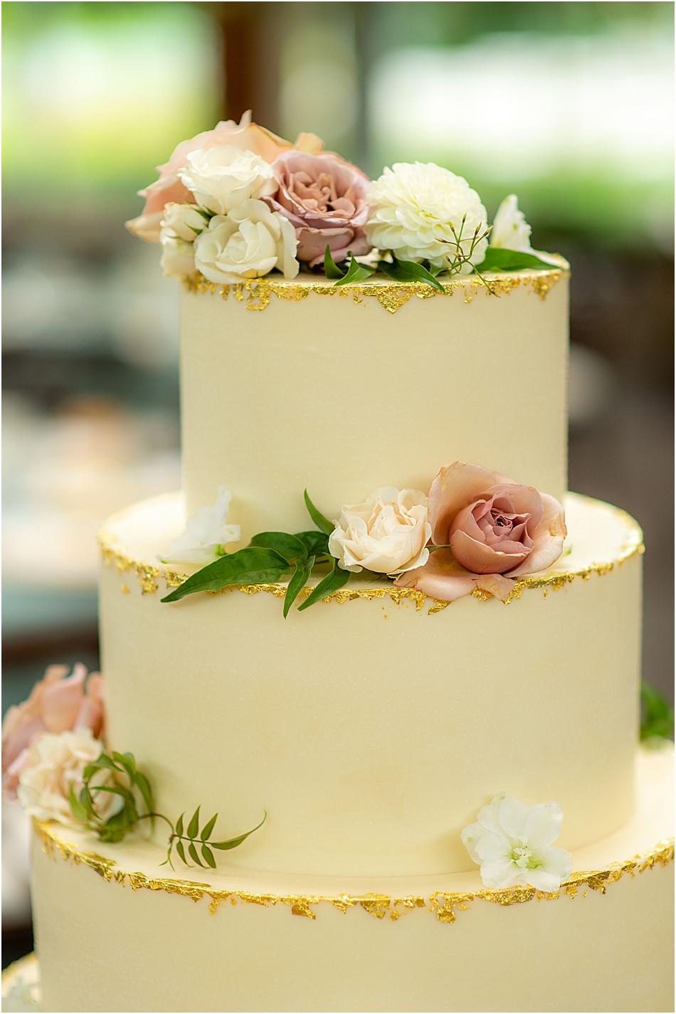 Kahn's Wedding Cake