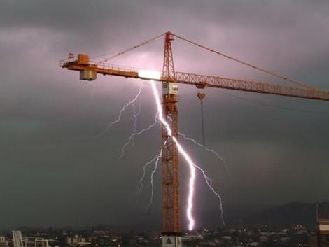 Kule Vinçlerin Yıldırımdan Korunması