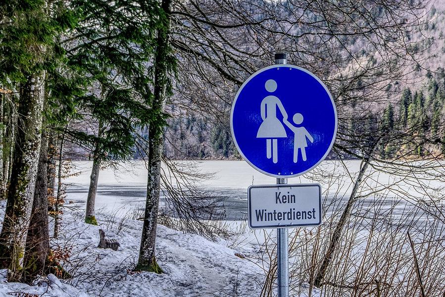 traffic-sign-4041853_1920.jpg
