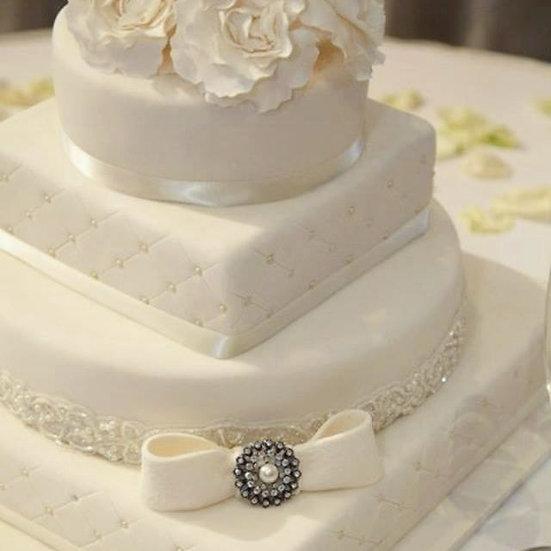 W122 Wedding Cake