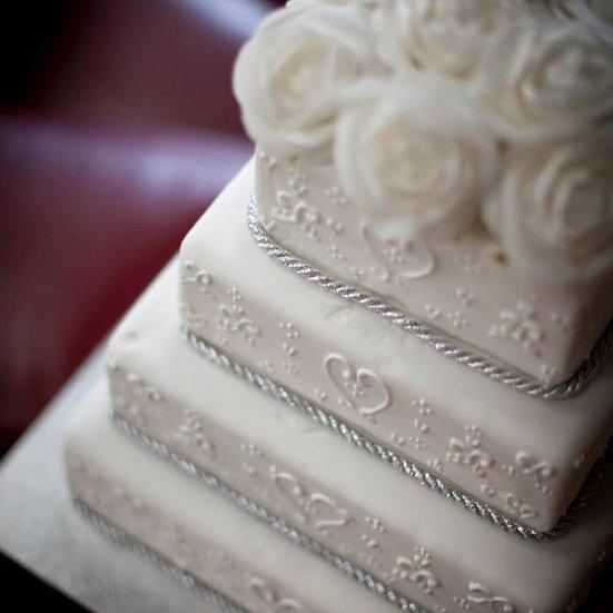 W129 Wedding Cake