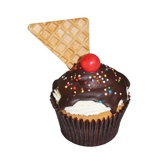 C504 Ice Cream Sundae Cupcake