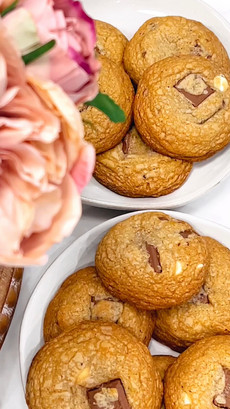 Nabela's Cozy Chocolate Chunk Cookies
