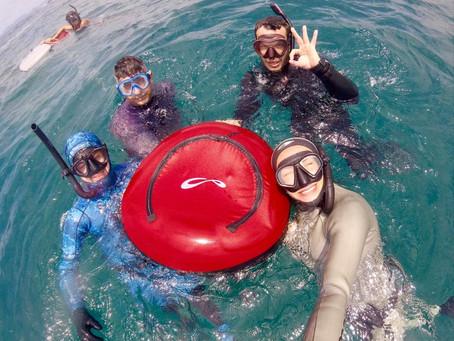 O mergulho livre com Karol Meyer e certificação internacional PADI