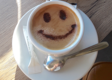 Les cafés qui cogitent, c'est la reprise.