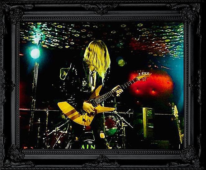Black Frame Ben.jpg