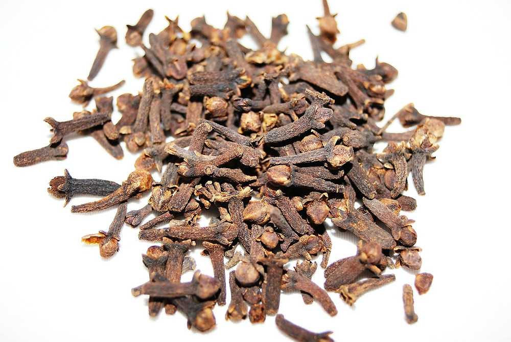 cloves, spice, aromatic, aroma, clove oil, natural, organic, herbal, ayurvedic, condiments, ingredients, clove, clove pods, cuisine