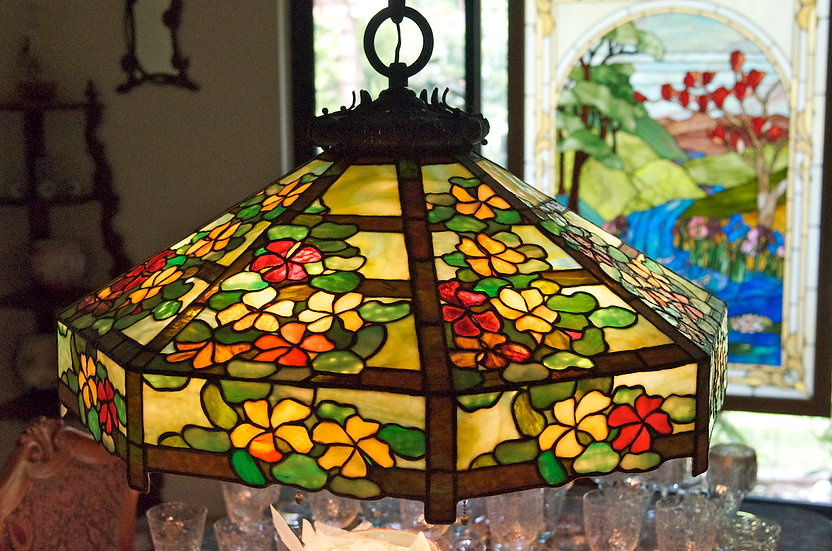 Handel Nasturtium Leaded Lamp-Sold