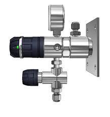 Messing Entnahmedruckminderer 40 BAR, EMD3100-08 auf Platte mit Regelventil
