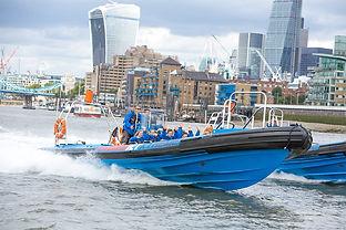 thames-jet-boat-rush-23150238.jpg