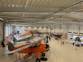 Den otevřených dveří hangáru