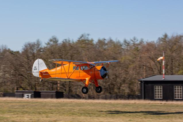 Waco YKS-6 při vzletu