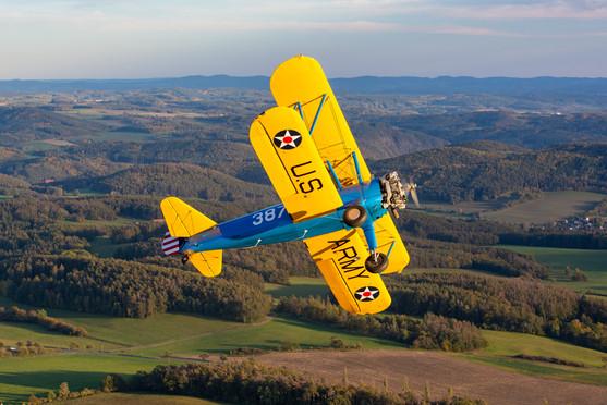 Boeing Stearman nad českou krajinou