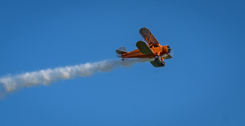 Waco YKS-6 Smoke-on