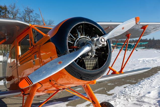 Waco YKS-6 na sněhu