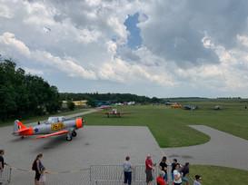 Den otevřených dveří s leteckým provozem