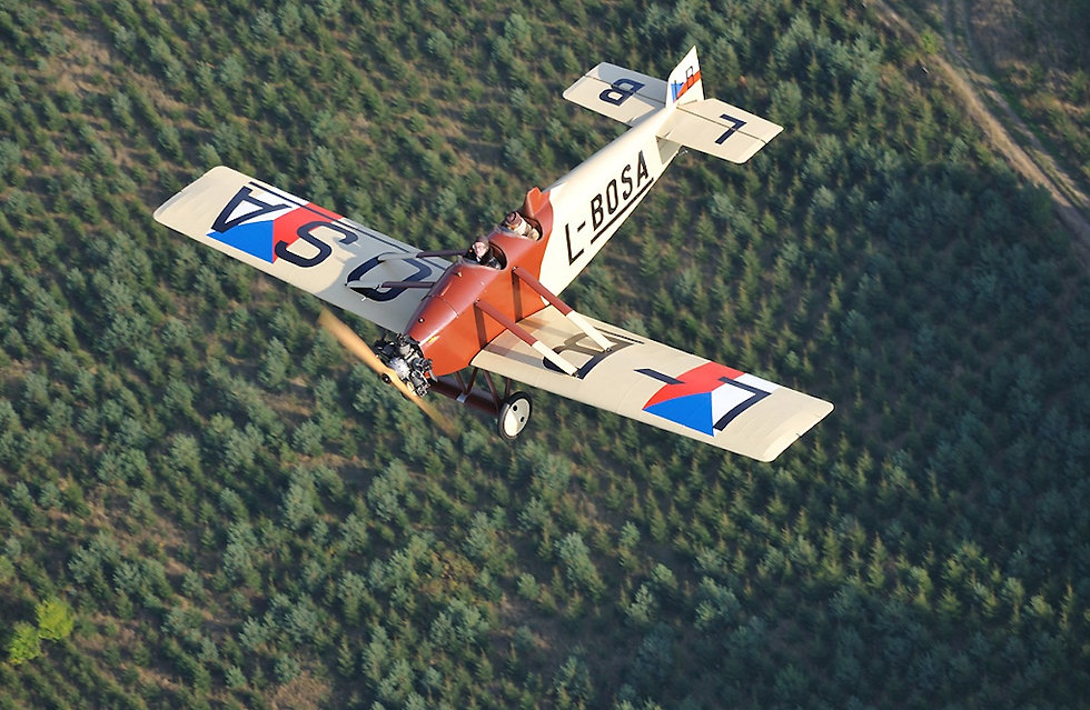 Avia BH-5 ve vzduchu