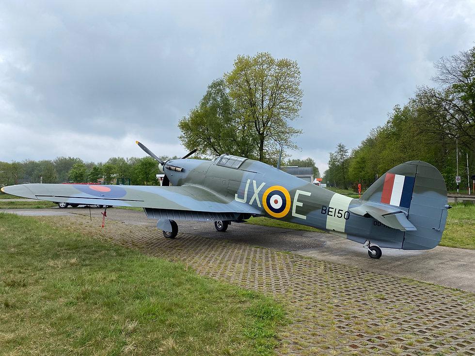 Hawker Hurricane přileltí do Prahy