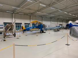 Den otevřených dveří hangáru, Boeing Stearman a československá BH-5 a C-305