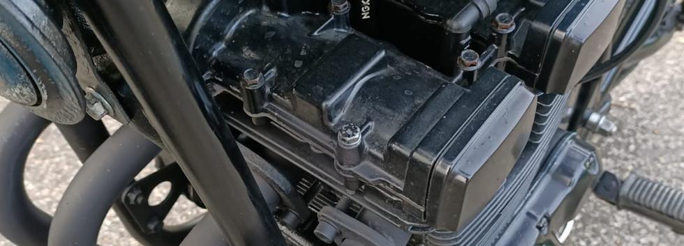 Suzuki GSX 400 F Bratstyle