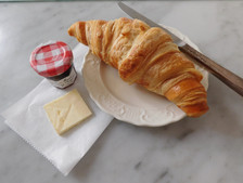 Croissant w/ butter and jam