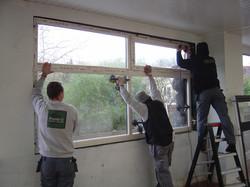 Plaatsen van de nieuwe ramen