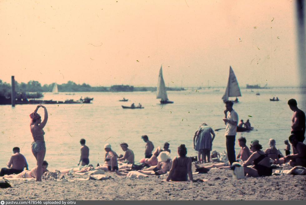 Пляж на берегу Крестовского острова