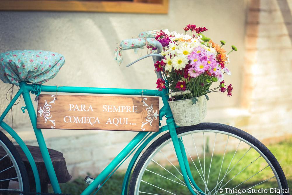 Bicicleta decorada para casamento