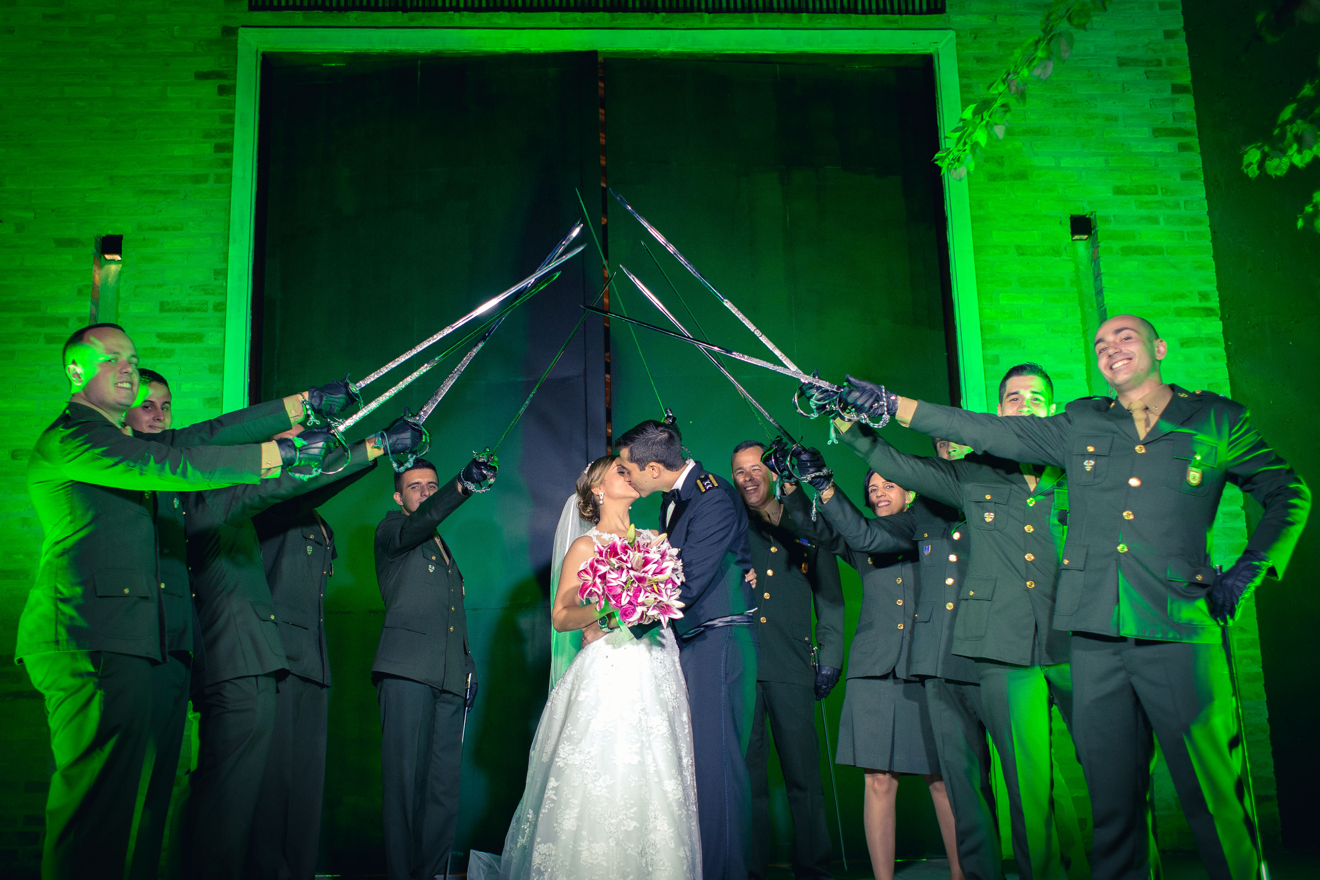 Casamento Militar, teto de aço