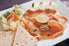 Saumon mariné à l'Aneth et ses Toasts
