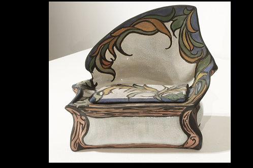 Filigree Love Seat ( art Box)