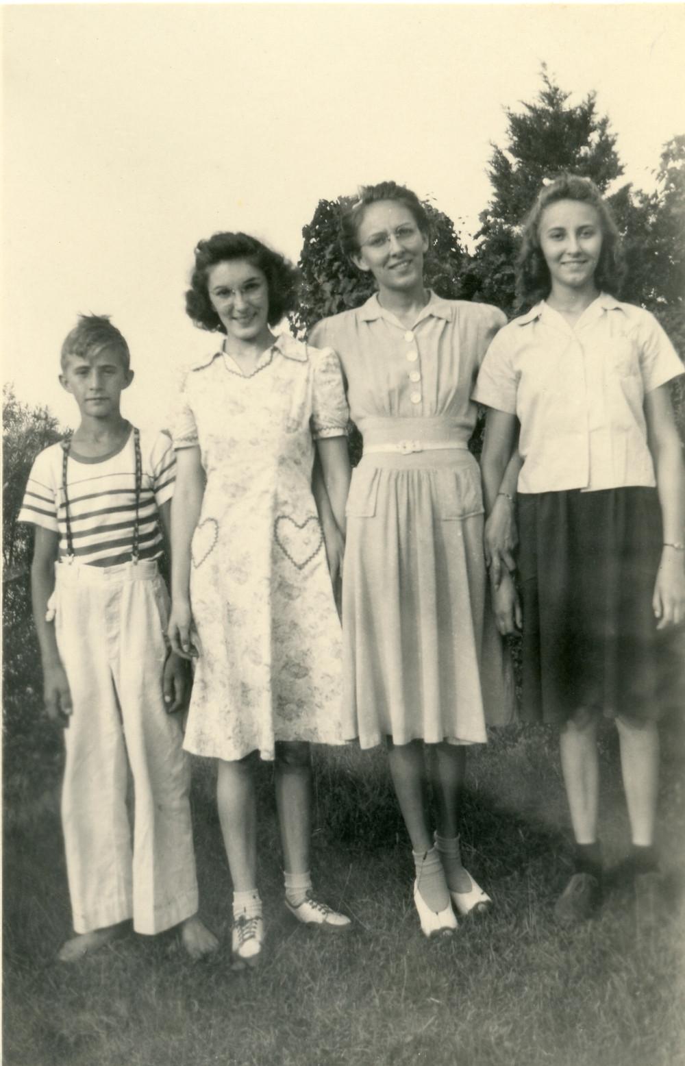Photograph of Eldon, Lois, Arlene, and Ruth Morris.