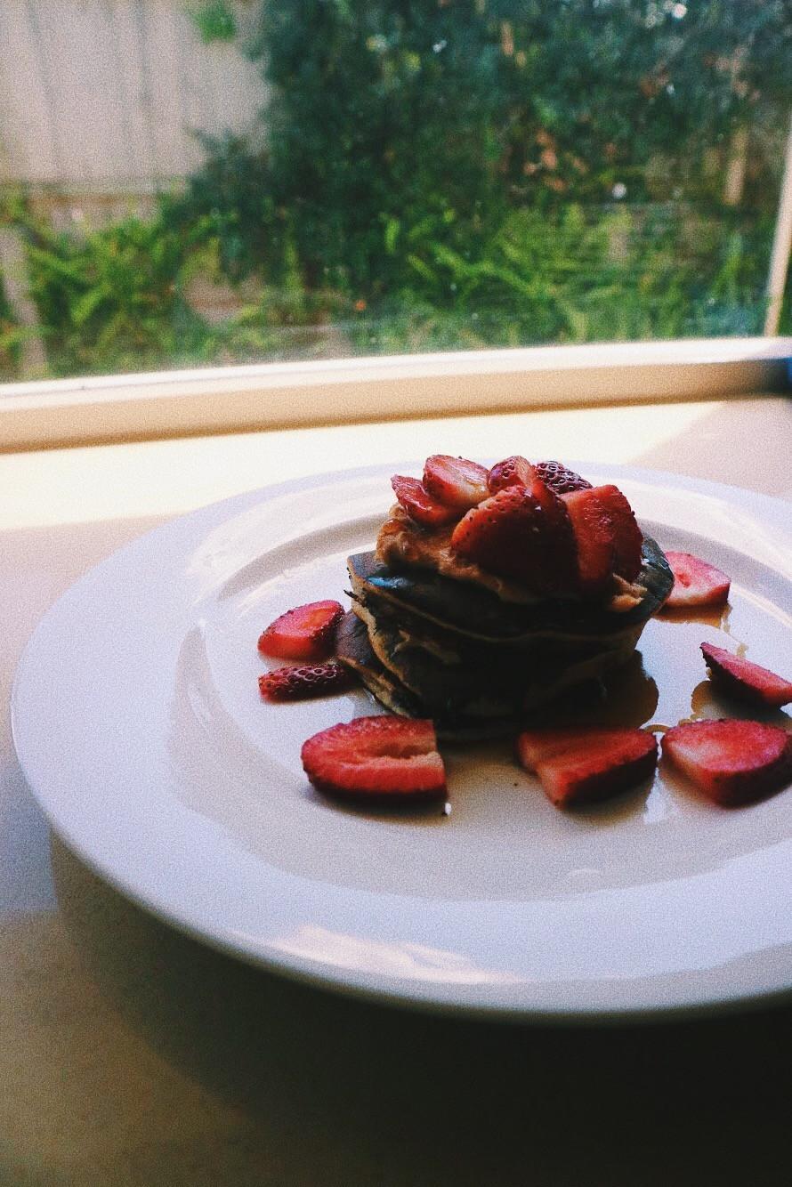 Healthy Banana Choc Chip Pancakes