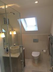 Shower room in L-shape