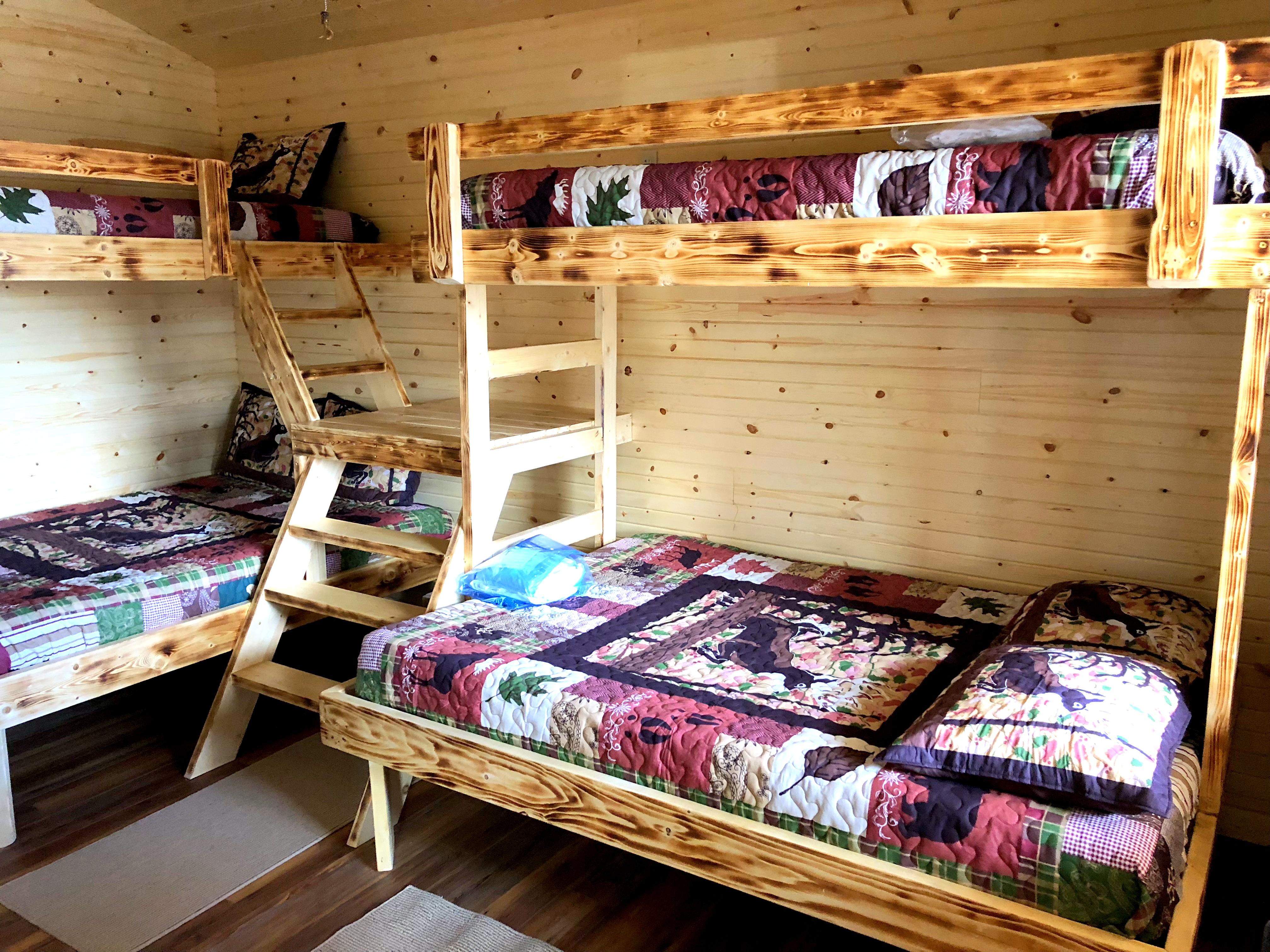 Cabin (4)