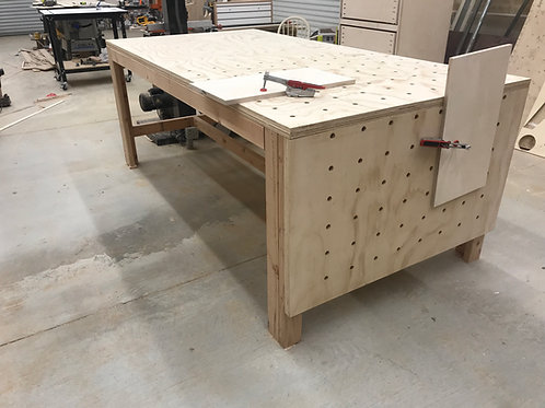 HUGE cheap and easy workbench