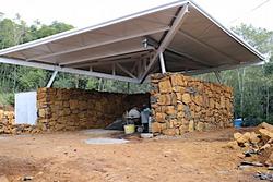 Construção das paredes de pedra