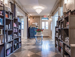 DeCola Salon haircare product lines