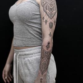 tatuajes lineales madrid.jpg