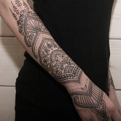 tatuaje mehndi ornamental.jpg