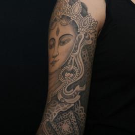tatuadores mangas dotwork.jpg