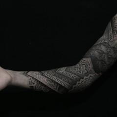 tatuadores manga geometrica.jpg