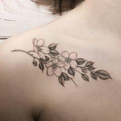 tatuajes florales madrid.jpg